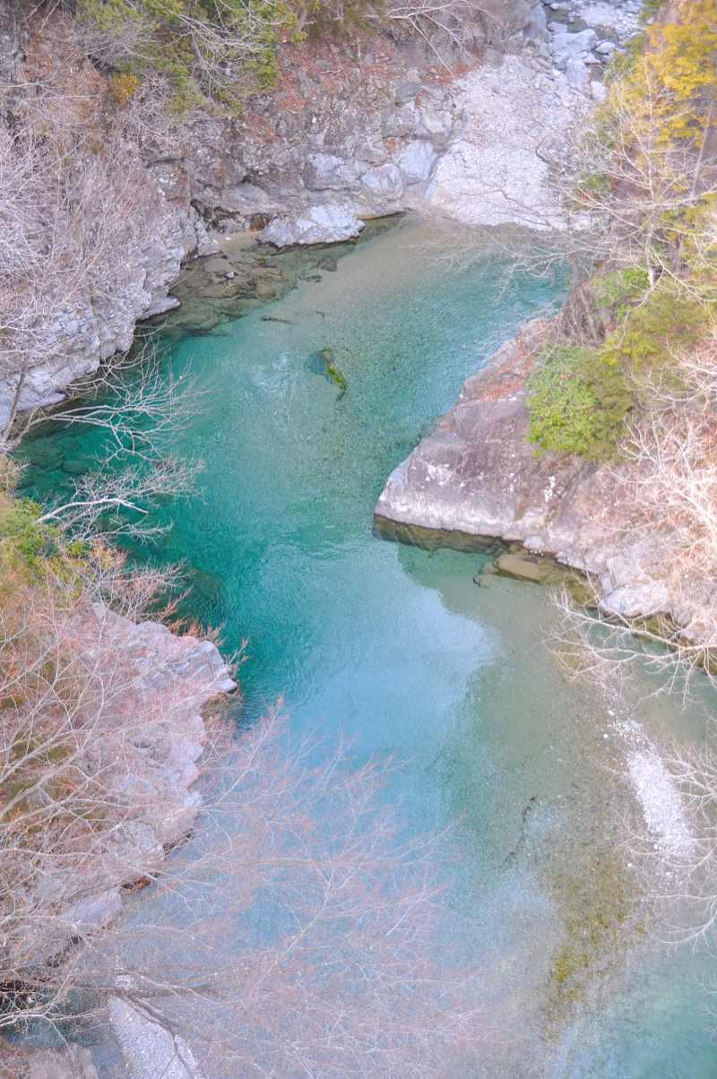 攻め橋はいまだ厳しい冬の色