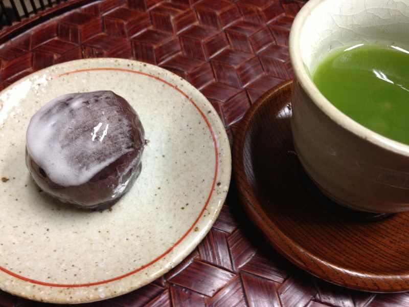 今日出来立ての生菓子「冬景色」