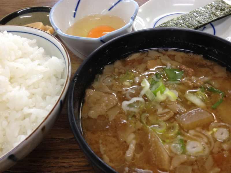 美味しいお昼ごはん 「豚汁定食」芝ヶ瀬食堂 border=