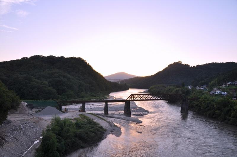 玉蔵橋からの夕景 border=