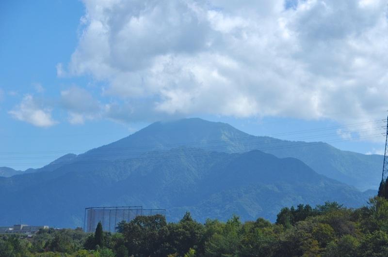 久々のひょうたん池からの恵那山