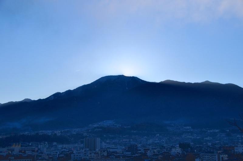 12/8 快晴、恵那山の夜明けと御来光