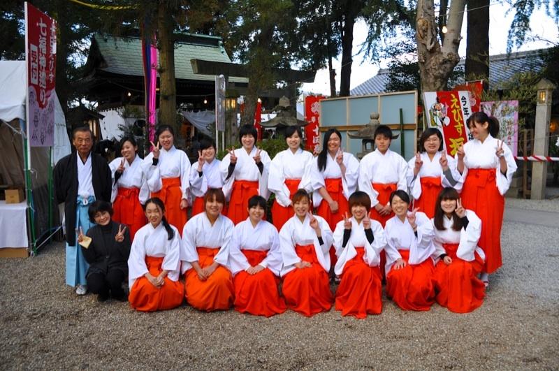 巫女さんは大学生 中津川西宮神社
