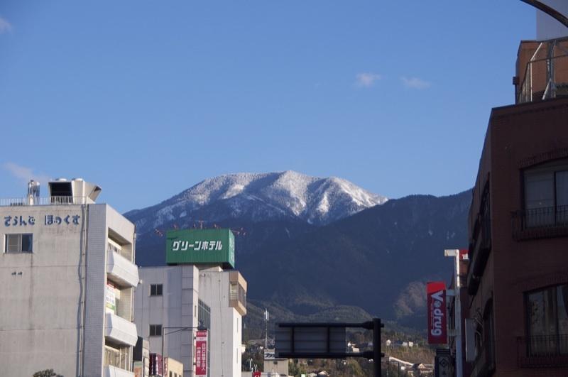 JR中津川駅前交差点からの恵那山
