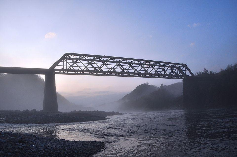 川霧に煙る北恵那鉄橋-3 border=