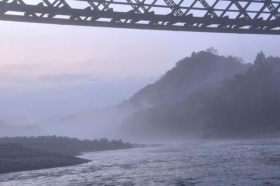 川霧に煙る北恵那鉄橋-3