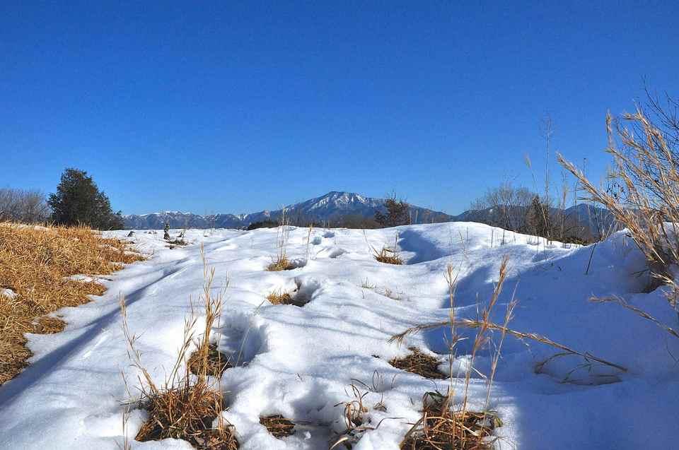 2/11 青空と雪と恵那山 border=