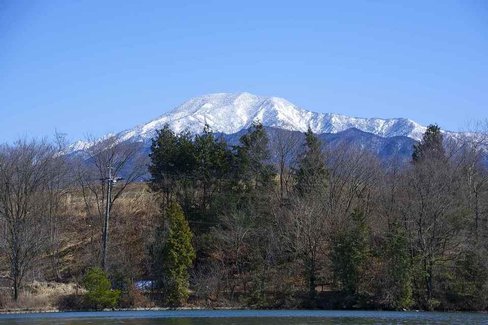 神谷池からの恵那山