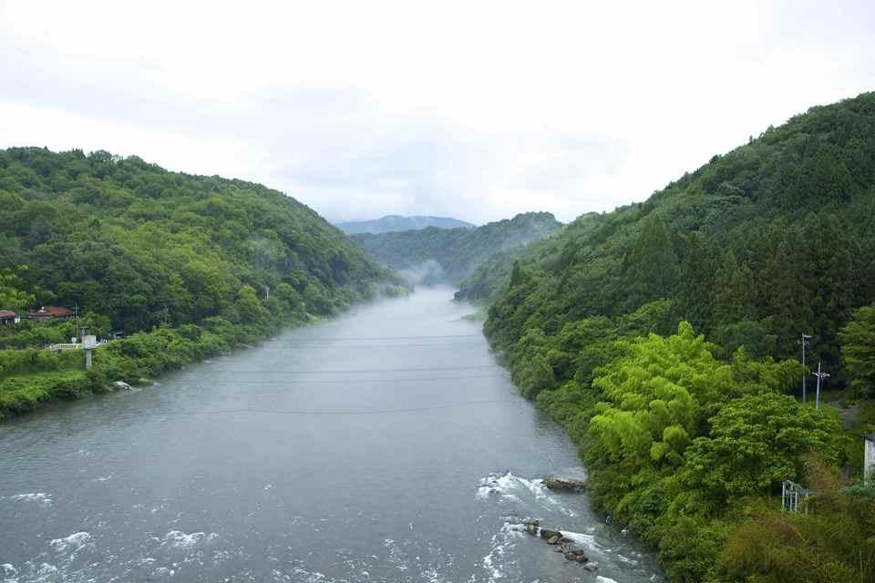 木曽川の川霧と龍。 border=