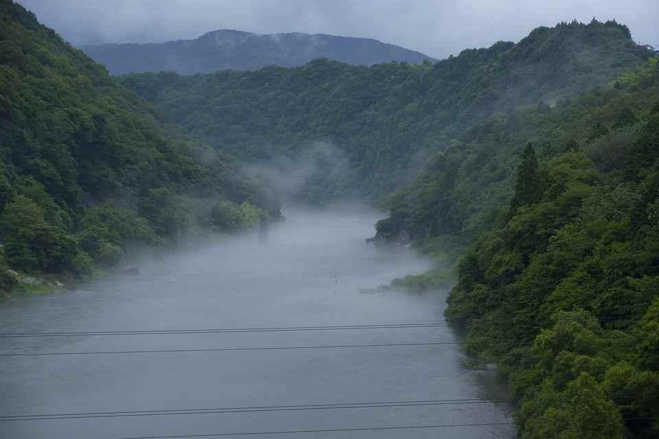 木曽川の川霧と龍。