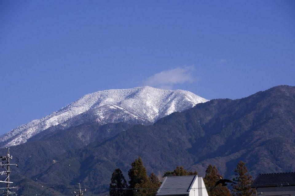 中山道中津川宿からの恵那山