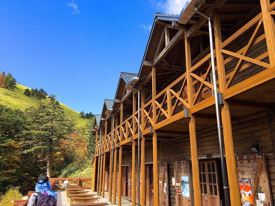 富士見台高原、紅葉MAX の万岳荘へ行ってきました。