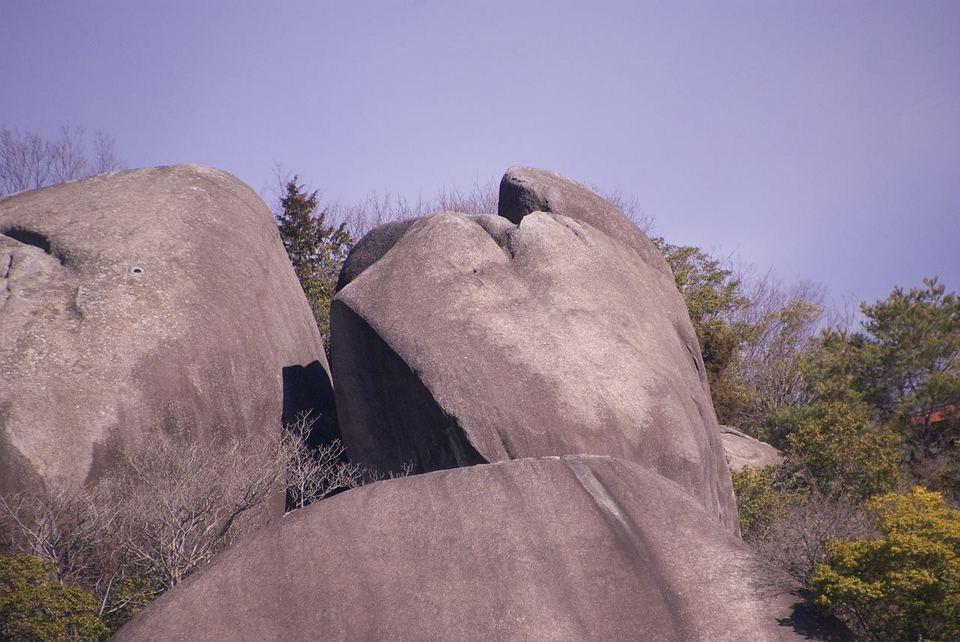 超巨大人面岩現る‼︎
