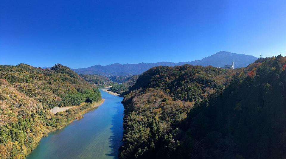 城山大橋から木曽谷をのぞむ border=