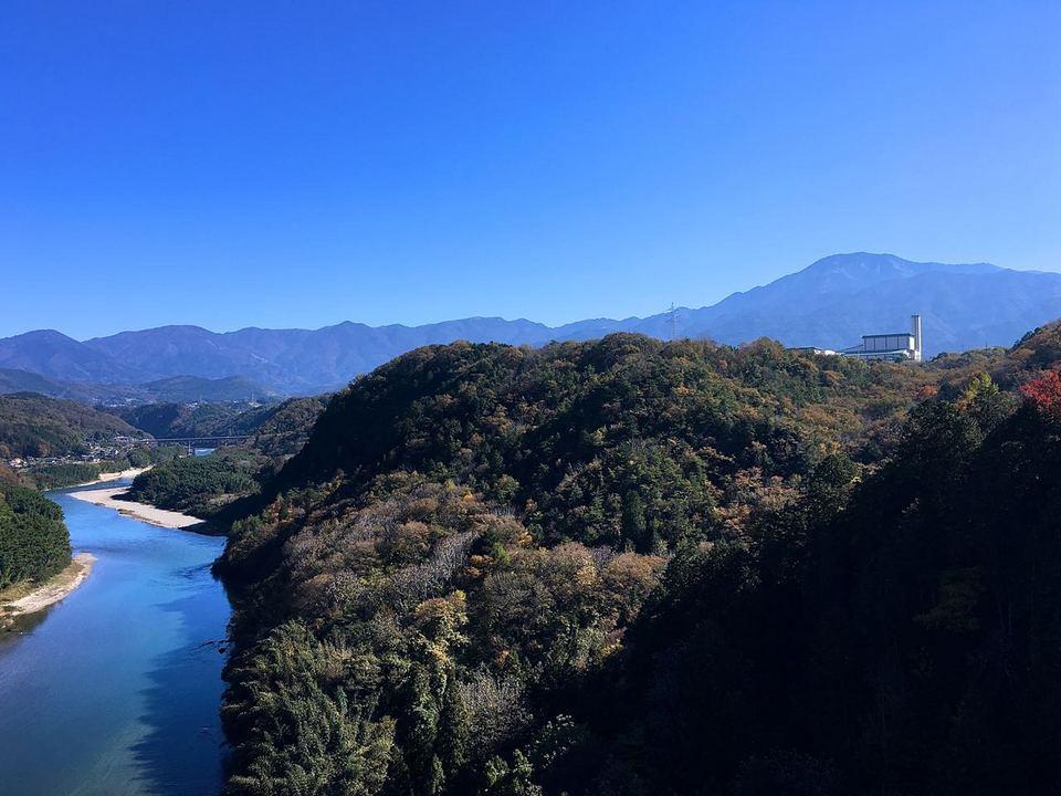 城山大橋から木曽谷をのぞむ