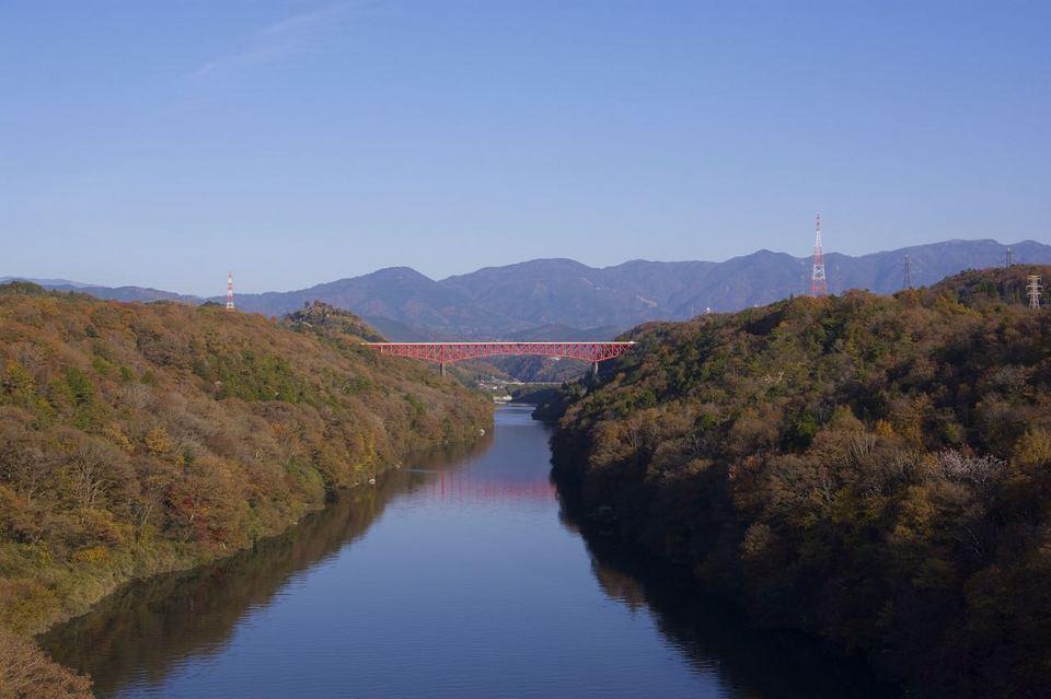 「今しかない木曽川奥恵那峡の紅葉」 border=