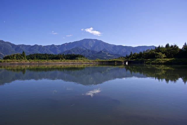 恵那山上空、一点の雲。 border=