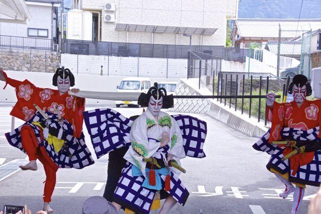 中津川宿六斎市まちなか歌舞伎 border=