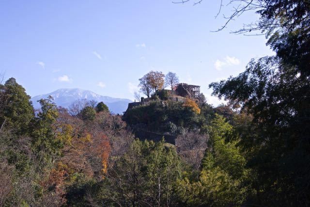 天空の城 苗木城跡と恵那山。