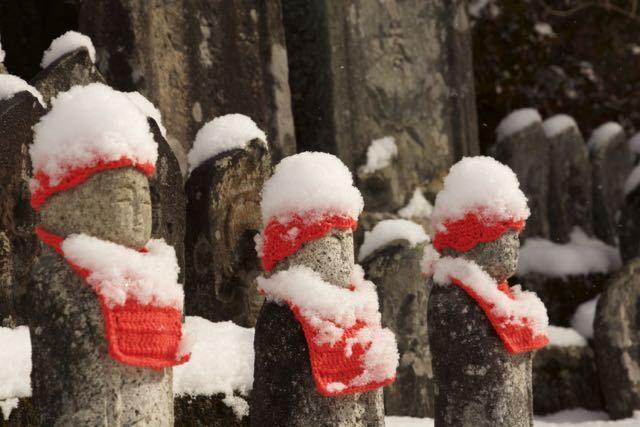 雪のお地蔵さん border=