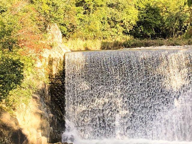 中山道落合宿滝場、下桁橋の紅葉。