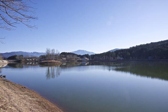 坂下椛の湖からの逆さ恵那。 border=