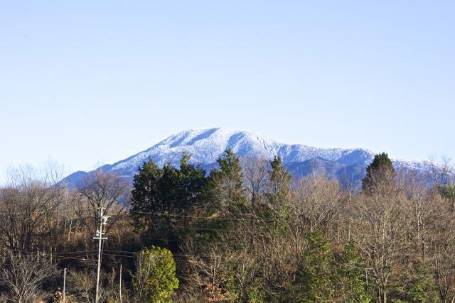神谷池からの雪の恵那山
