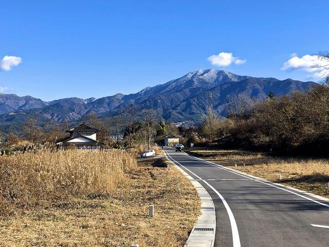 中津川市西山旧競馬場からの恵那山。かつて、中津川には競馬場があった。