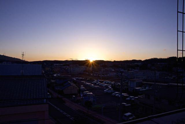 沈む夕陽を追いかけて。 border=