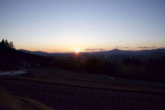 沈む夕陽を追いかけて、 border=