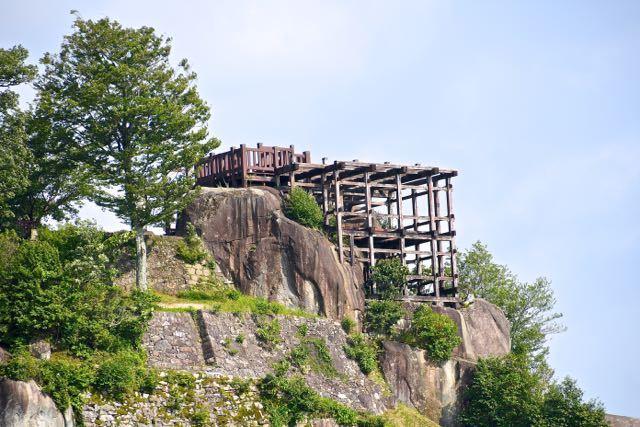 さあ‼︎ 緑の苗木城跡、絶景山城日本一。