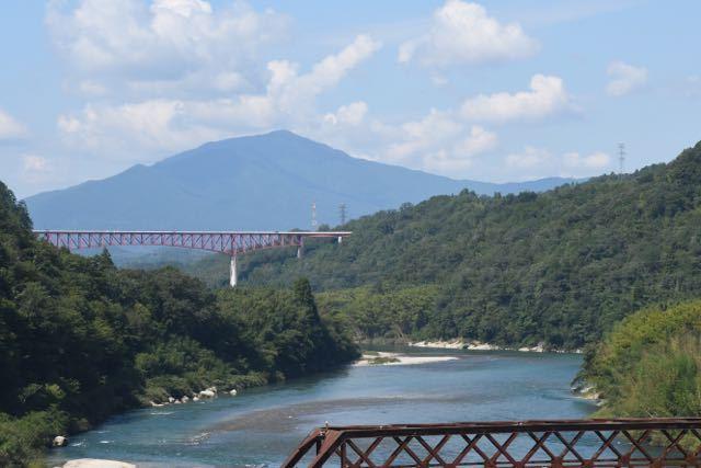 夏の終わりの奥恵那峡。