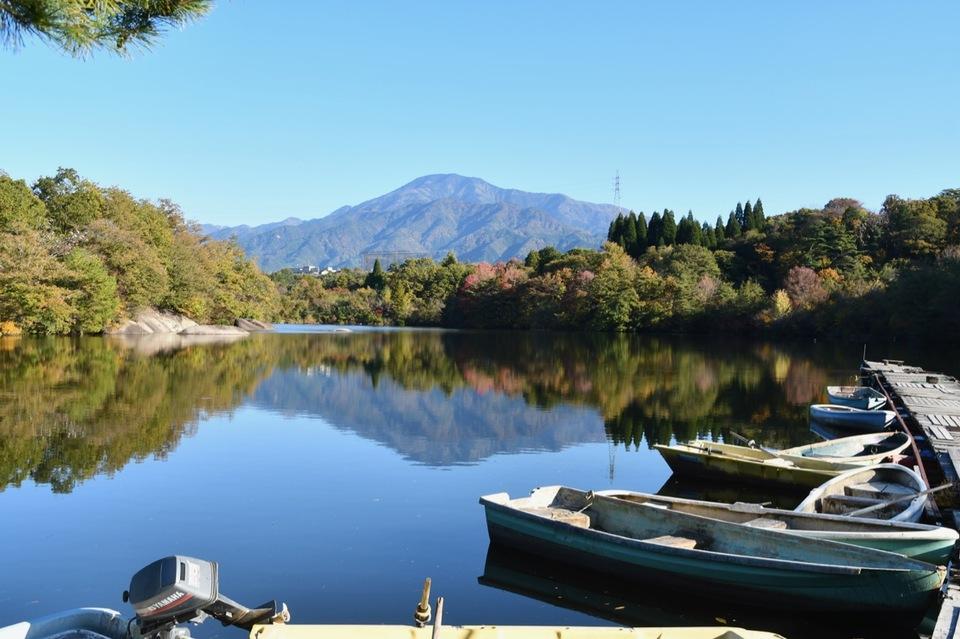 ひょうたん池と逆さ恵那山