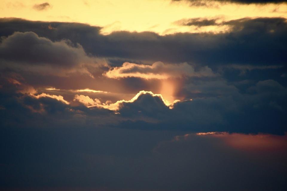 沈む夕日を追いかけて