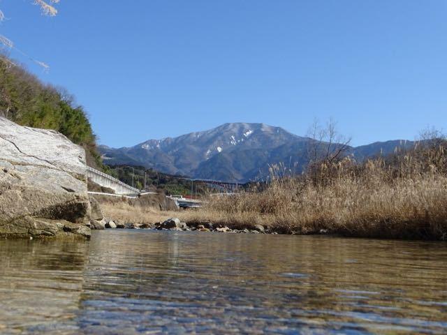落合川から水辺の恵那山。