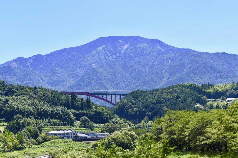 恵那山麓の風景 落合川の川音に涼を感じながらの真夏の恵那山。