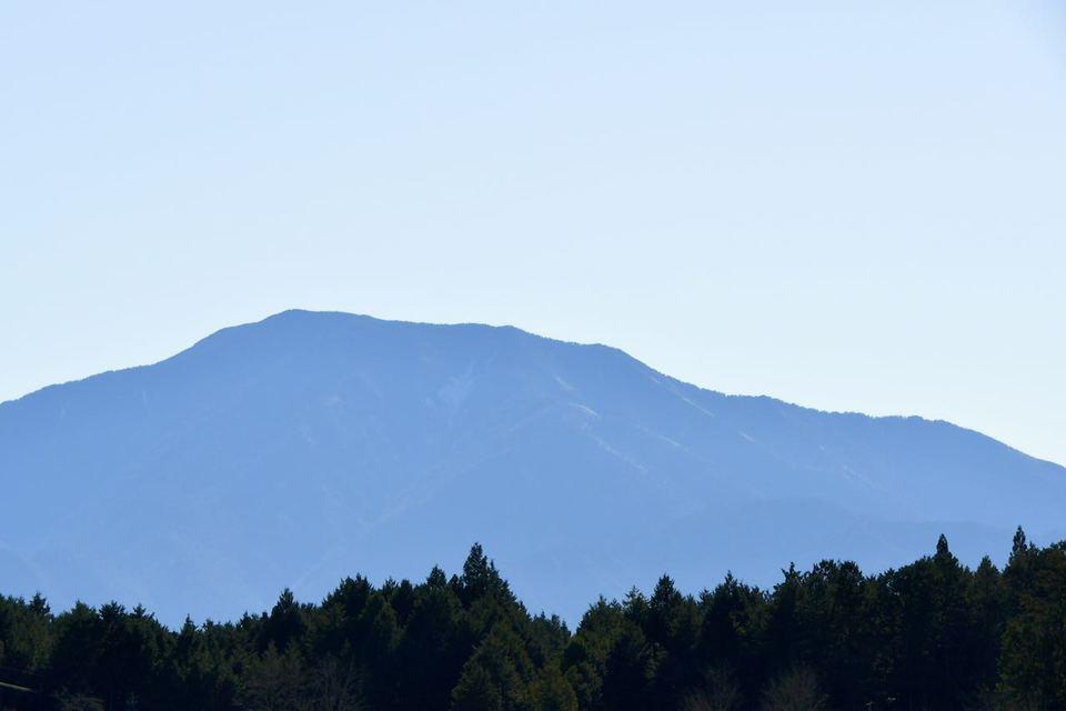 椛の湖から百名山恵那山の風景