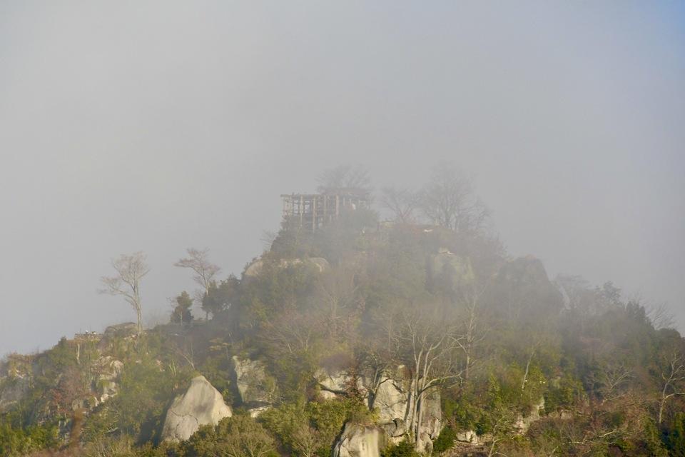 絶景山城日本一の苗木城は別名霞ヶ城、