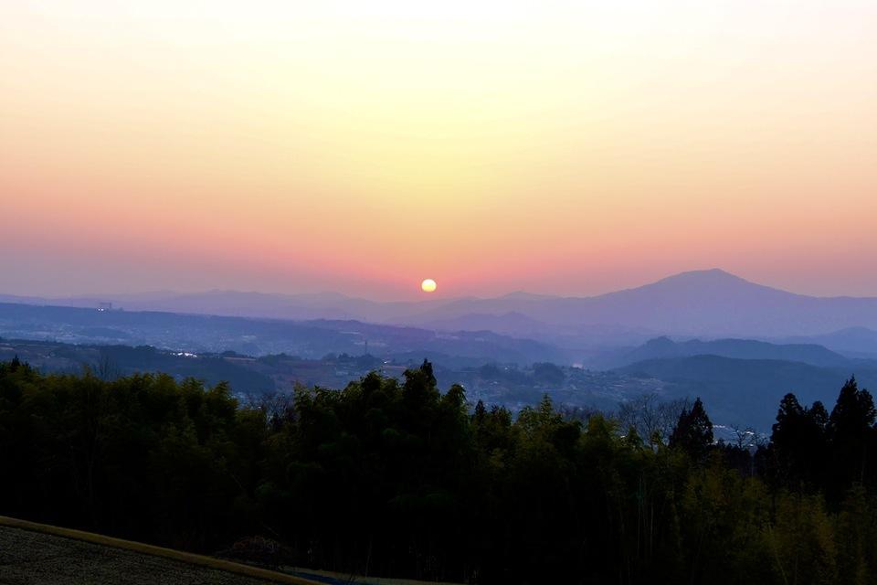 夕焼けの町中津川、新茶屋の夕日。