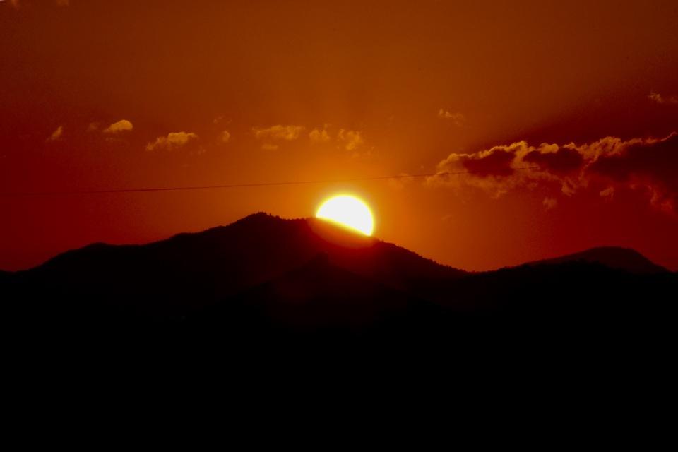 福岡二ッ森山に沈む夕日