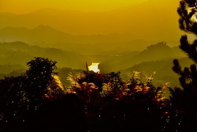 中山道落合石畳新茶屋子規の丘、秋の夕暮れ風景。