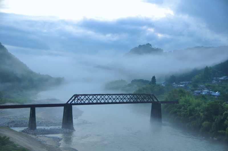 霧の苗木城趾、しばし「幽玄の世界へ」。
