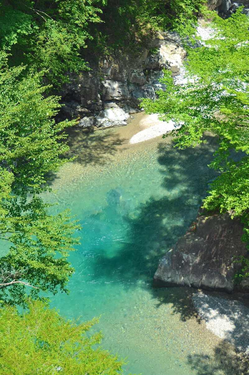 夏の付知峡 翠の「攻め橋」