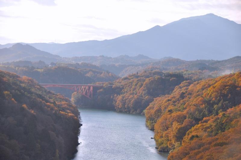 錦秋の木曽川-1