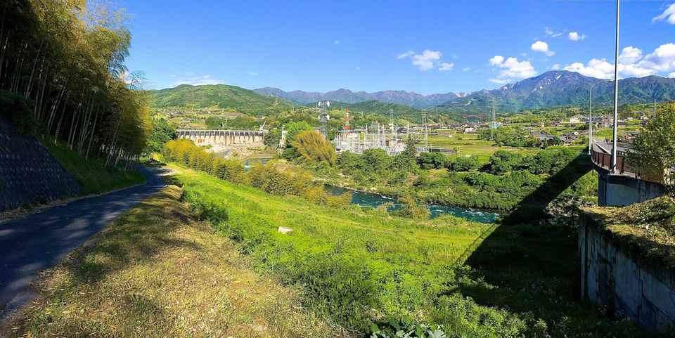 恵那山「緑の大パノラマ」 落合かやの木大橋から