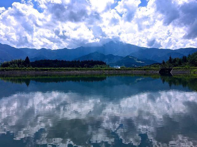 乱れ雲、恵那山を隠す。
