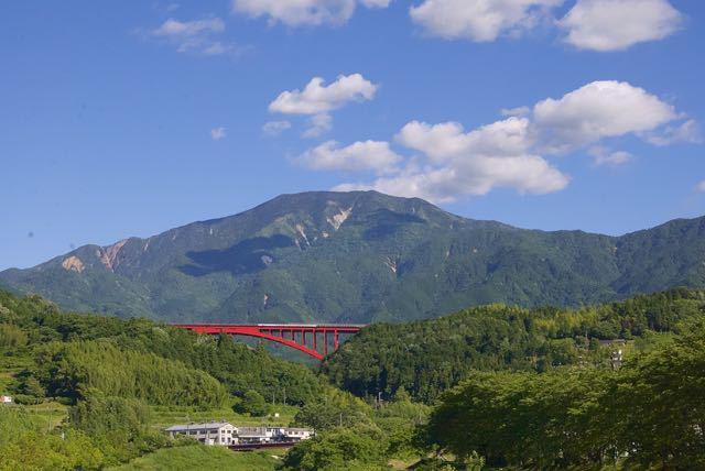 恵那山、落合大橋から。