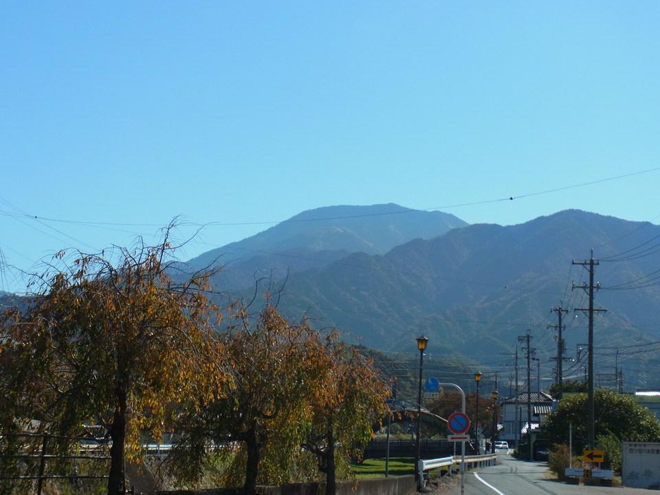 秋晴れの恵那山