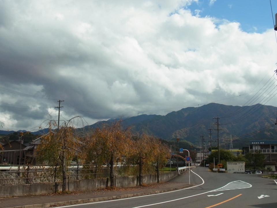 恵那山は雲の中に・・・ border=