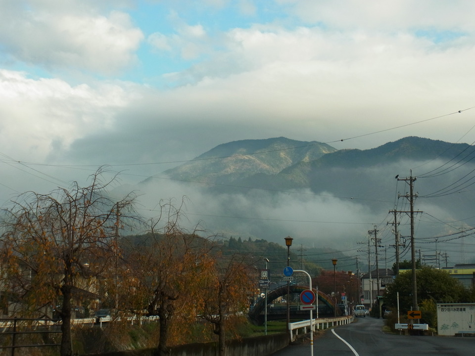 雲の上の恵那山 border=